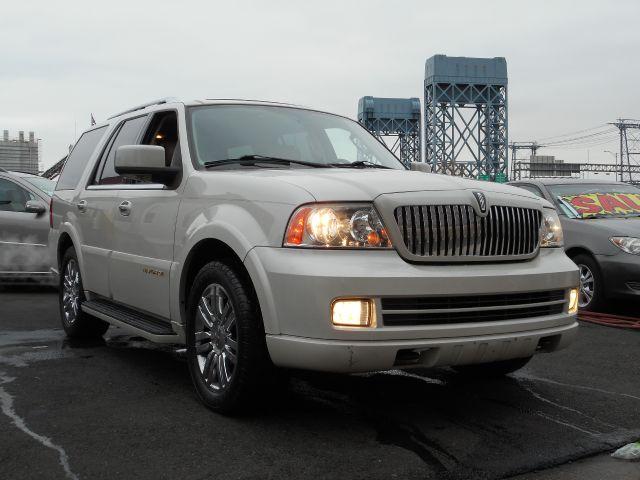 2005 Lincoln Navigator for sale in NEWARK NJ