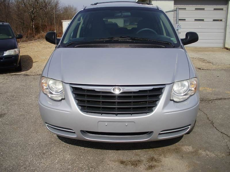 2007 Chrysler Town and Country LX 4dr Extended Mini-Van - Kaiser MO