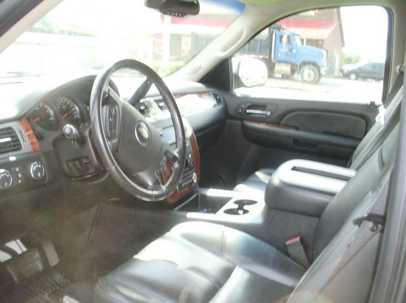 2008 Chevrolet Suburban 4x4 LTZ 1500 4dr SUV - Kaiser MO