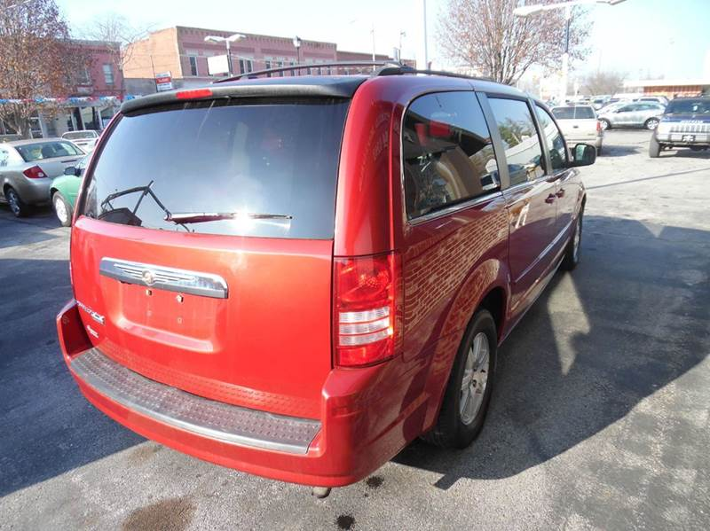 2008 Chrysler Town and Country Touring 4dr Mini Van - Fort Wayne IN