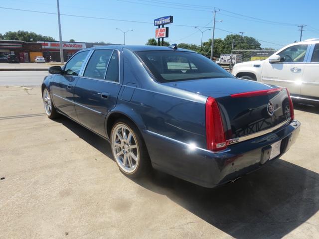 2009 Cadillac DTS Premium Luxury 4dr Sedan - Dallas TX