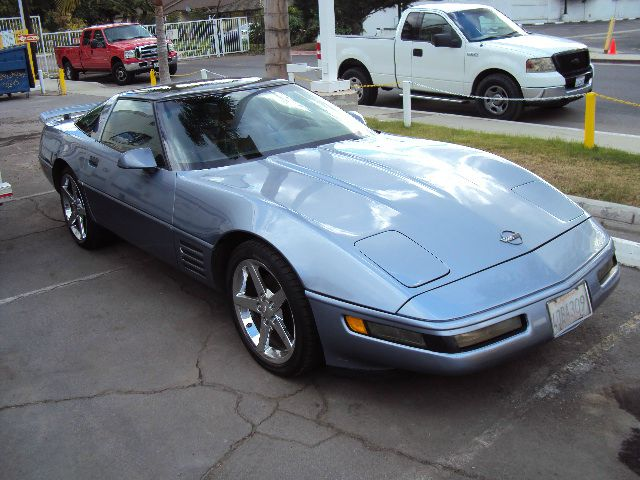 1991 CHEVROLET CORVETTE COUPE blue glass top chrome alloys leather and only 110k miles 11550 beac