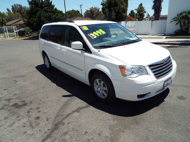 2010 CHRYSLER TOWN AND COUNTRY TOURING 4DR MINI VAN white 2-stage unlocking - remote abs - 4-whee