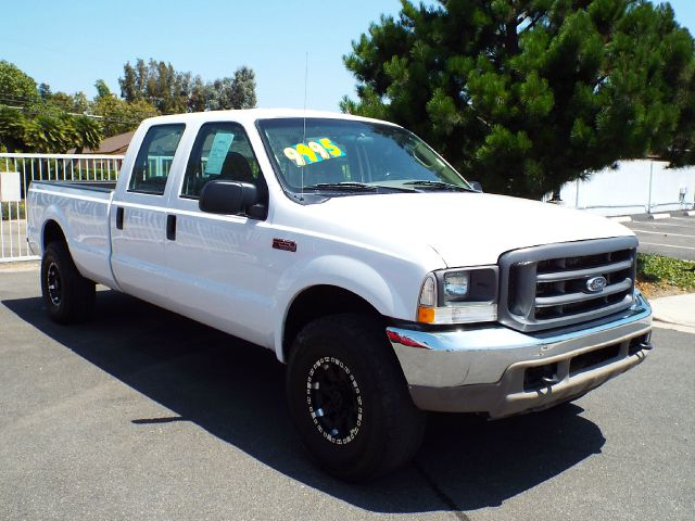 2004 FORD F-250 XL CREW CAB LONG BED 4WD white 2004 ford f250 54 v8 4 wheel drive 4 door crew cab