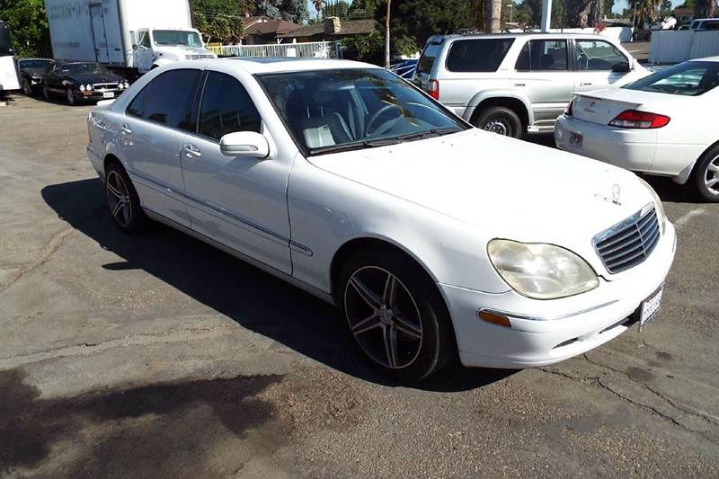 2001 MERCEDES-BENZ S-CLASS S500 4DR SEDAN white rear spoiler premium wheels this is a nice car we