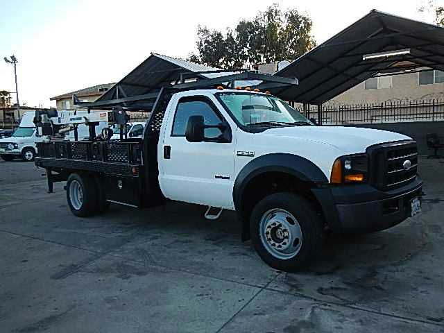 2006 FORD F550 REGULAR CAB 4WD DRW white this is a ford f550 4 wheel drive turbo diesel with a ste
