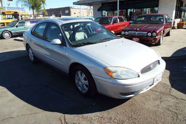 2005 FORD TAURUS SEL 4DR SEDAN silver this is a loaded good running ford taurus sel new tires well