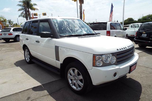 2006 LAND ROVER RANGE ROVER HSE 4DR SUV 4WD white this is a fully loaded model rear back up camera