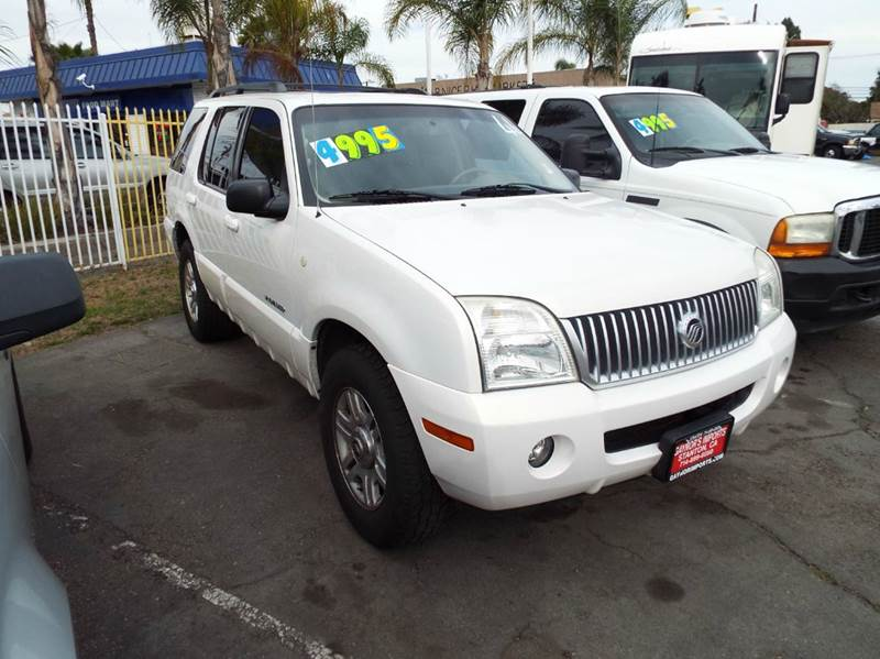 2002 MERCURY MOUNTAINEER BASE AWD 4DR SUV pearl white this is a 7 passenger family vehicle abs -
