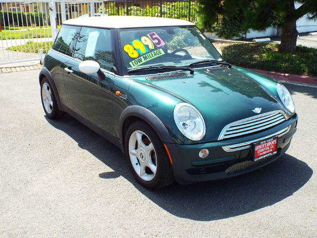 2004 MINI COOPER BASE green 69850 miles VIN WMWRC33414TC49703
