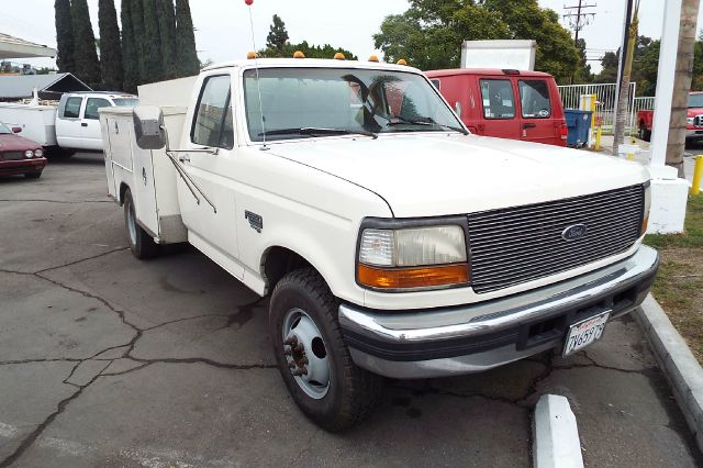 1995 FORD F-350 XL UTILITY BED white 210508 miles VIN 1fdjf37f5sea34693