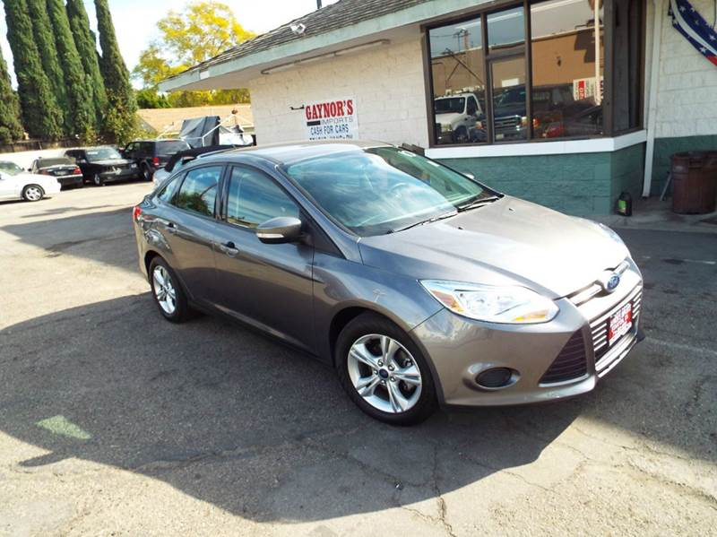 2014 FORD FOCUS SE 4DR SEDAN grey still under  warranty from ford 2-stage unlocking doors abs -
