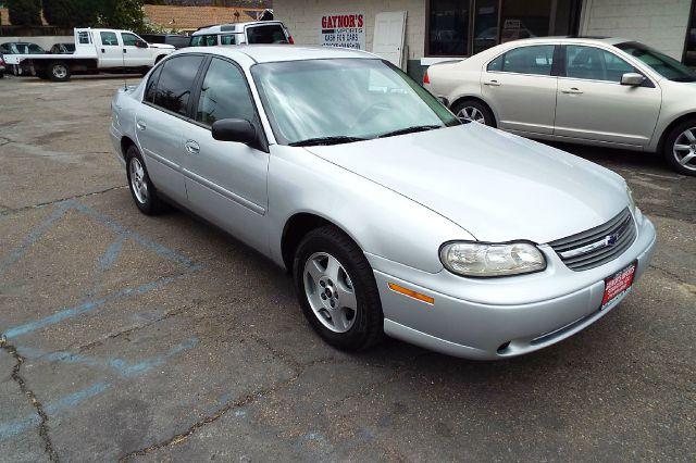 2005 CHEVROLET CLASSIC FLEET 4DR SEDAN silver center console cruise control daytime running lig