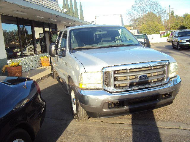 2003 FORD F-250 73 TURBO DIESEL XLT CREW CAB LONG BED 2WD silver this is a 4 door crew cab long b