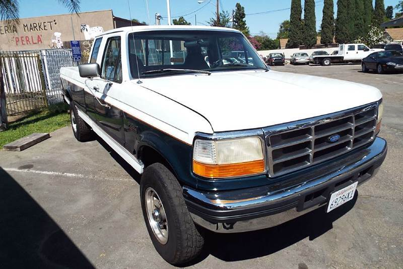 1995 FORD F-250 XLT 2DR 4WD EXTENDED CAB LB whitegrey this is a labor day specail 6000 plus fee
