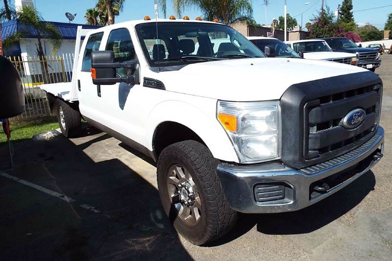 2011 FORD F-350 SUPER DUTY XL 4X4 4DR CREW CAB 176 IN WB S white 2011 ford f350 crew cab 62 lit