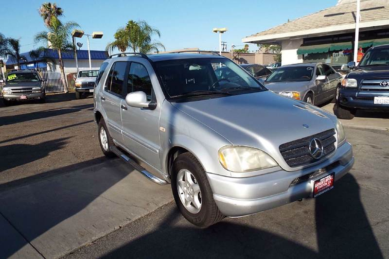 2001 MERCEDES-BENZ M-CLASS ML320 AWD 4MATIC 4DR SUV silver 3rd row seat fully loaded  abs - 4-whe