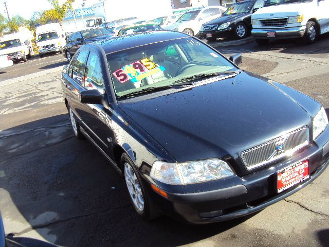 2001 VOLVO S40 SEDAN black 2001 volvo s40 4 cylinder auto low miles  full power moon roof abs brak