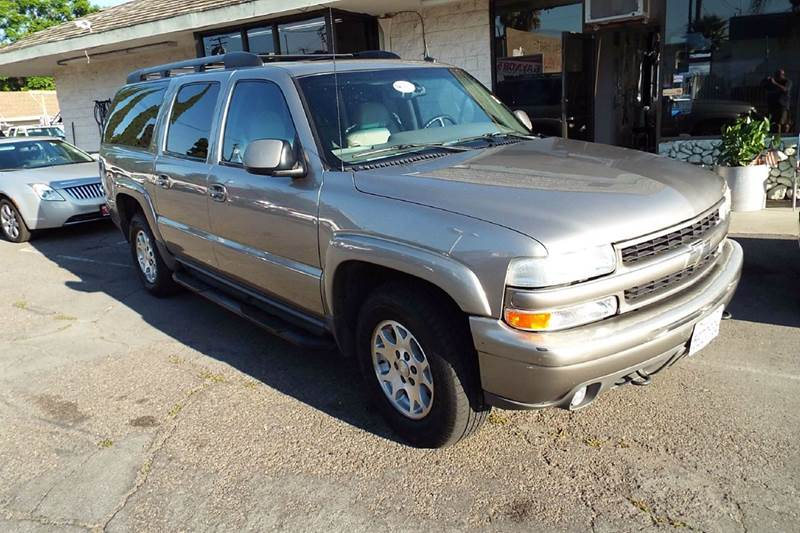 2002 CHEVROLET SUBURBAN 1500 4DR 4WD SUV beige this is a very clean and well taken care of chevro