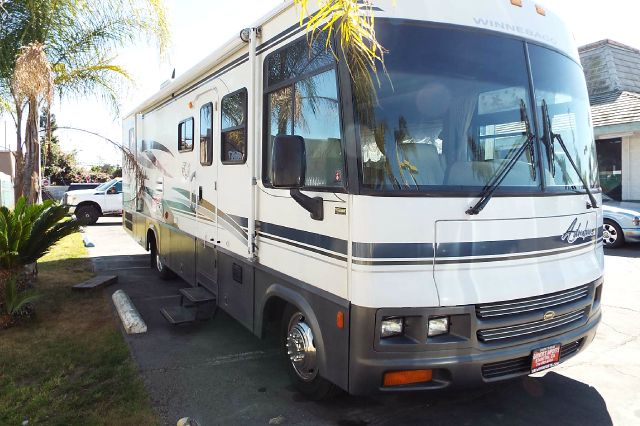2000 WINNEBAGO ADVENTURER 32V white 2000 winnebago adventurer 32v rear island queen 1 slide out c