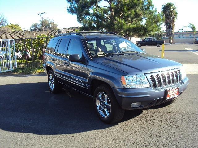 2003 JEEP GRAND CHEROKEE LIMITED blue gaynors imports is  family owned and opperated  in orange c