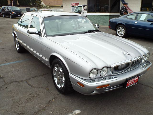 2001 JAGUAR XJ-SERIES VANDEN PLAS 4DR SEDAN silver 16 inch wheels abs - 4-wheel alloy wheels an