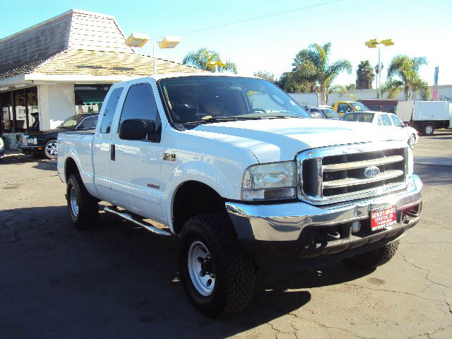 2003 FORD F250 XLT SUPERCAB SHORT BED 4WD white 2003 ford f250 turbo diesel 4 door extra cab  4 wh