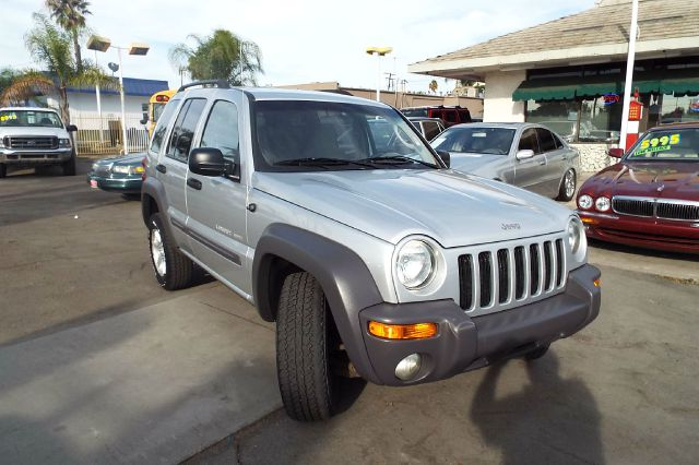 2003 JEEP LIBERTY SPORT 4WD 4DR SUV silver 4-speed automatic transmission axle ratio - 410 cent