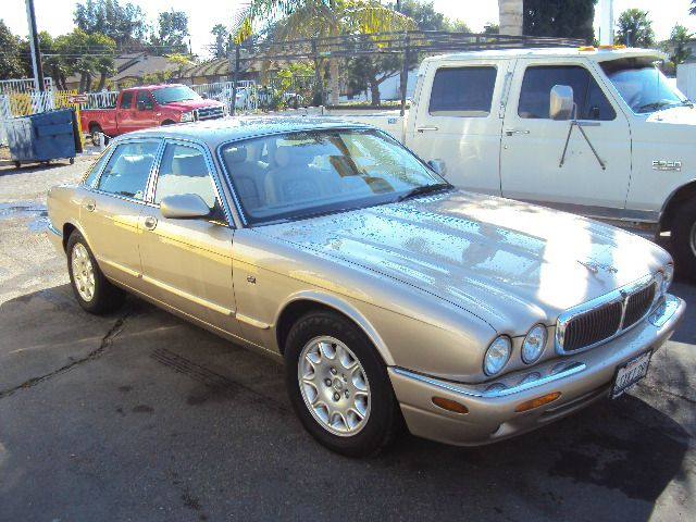 2001 JAGUAR XJ8 XJ8 gold sale price 5495 abs brakesair conditioningalloy wheelsamfm radioant