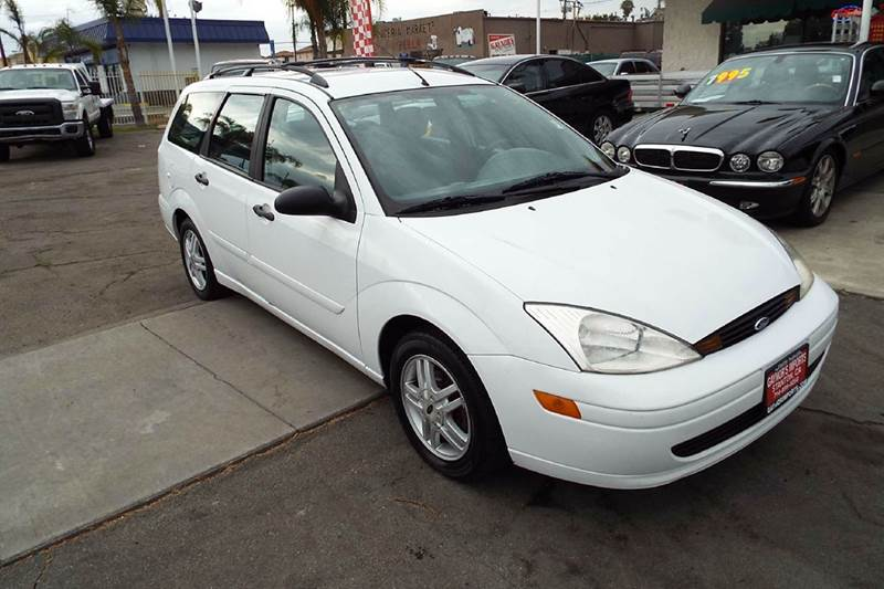 2000 FORD FOCUS SE 4DR WAGON white anti-theft system - alarm cassette center console exterior