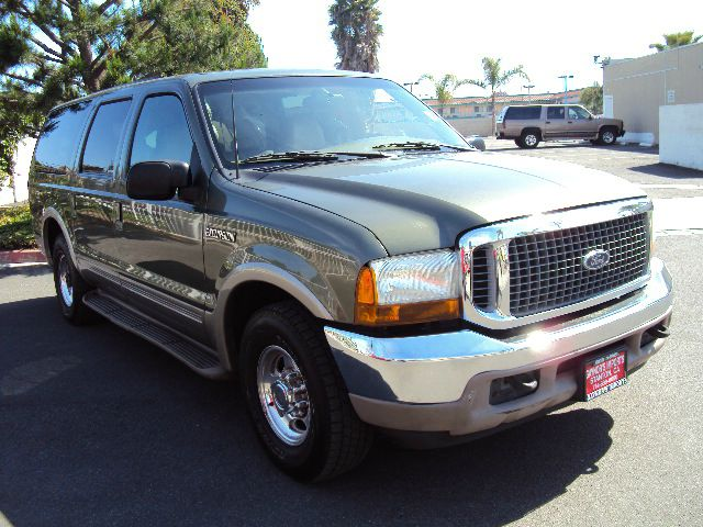 2000 FORD EXCURSION LIMITED 2WD green this is a 2000 ford excursion limited with full power leathe