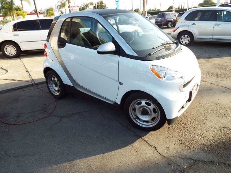 2012 SMART FORTWO PASSION 2DR HATCHBACK this smart for two is a lot bigger inside than people thin
