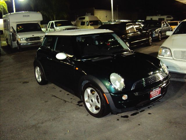 2004 MINI COOPER BASE green abs brakesair conditioningalloy wheelsamfm radioanti-brake system