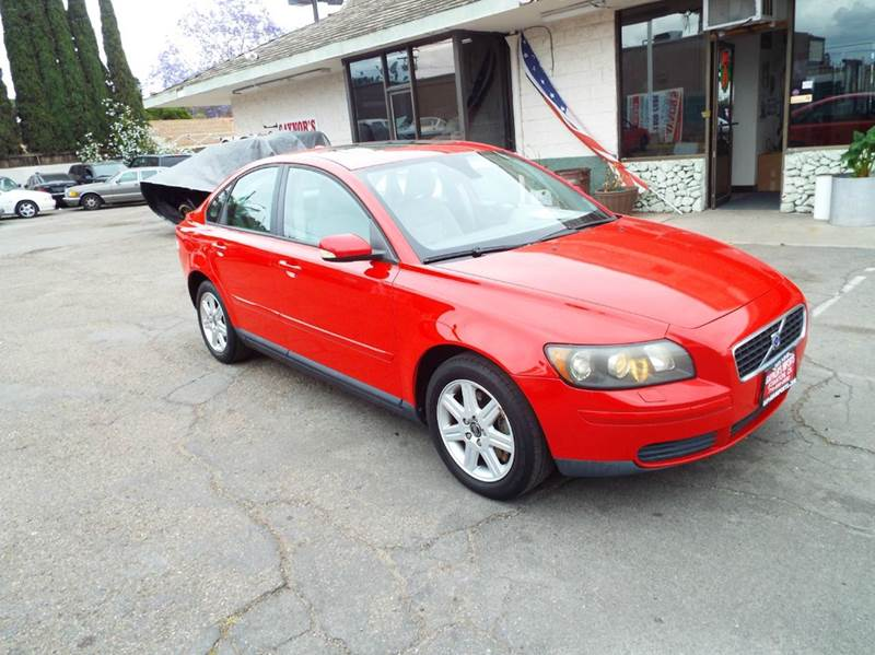 2006 VOLVO S40 24I 4DR SEDAN red this is a good looking car and runs good priced to sell abs - 4