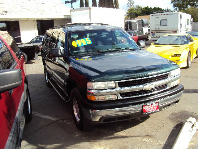 2001 CHEVROLET SUBURBAN C1500 2WD green cash priced to sell great family sport utility comes with