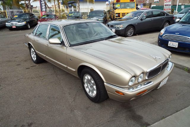 2000 JAGUAR XJ-SERIES XJ8 4DR SEDAN champagne abs - 4-wheel anti-theft system - alarm cassette