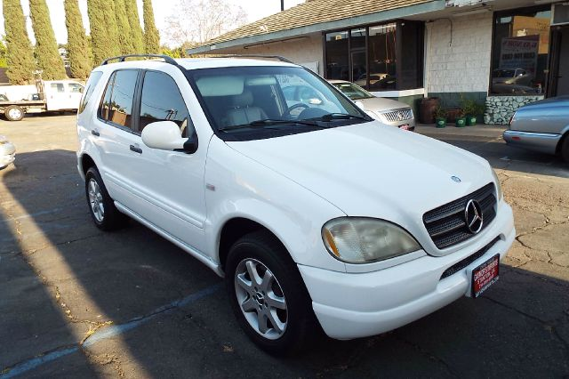 2000 MERCEDES-BENZ M-CLASS ML430 AWD 4MATIC 4DR SUV white abs - 4-wheel anti-theft system - alar