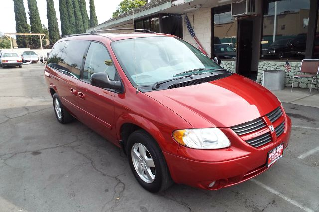 2007 DODGE GRAND CARAVAN SXT 4DR EXT MINIVAN red stow away seating full power runs and looks great