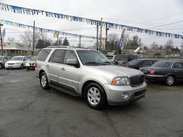 2003 Lincoln Navigator for sale in Youngstown OH