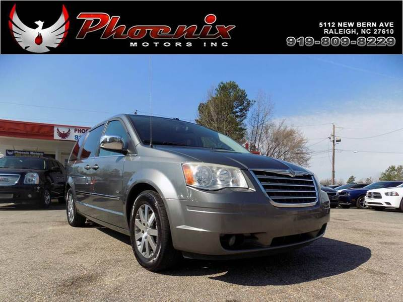 2009 Chrysler Town And Country Touring Mini Van 4dr In