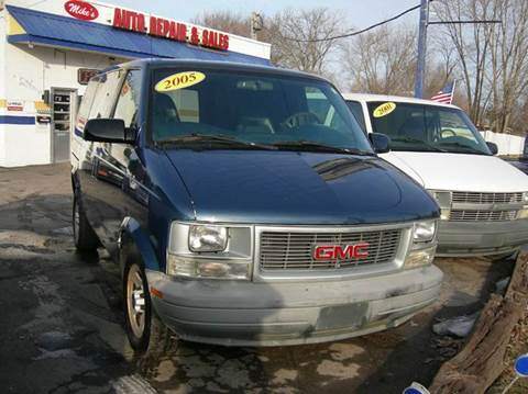 2005 GMC Safari Cargo