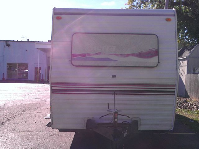 1993 SIERRA 32 FT TRAILER