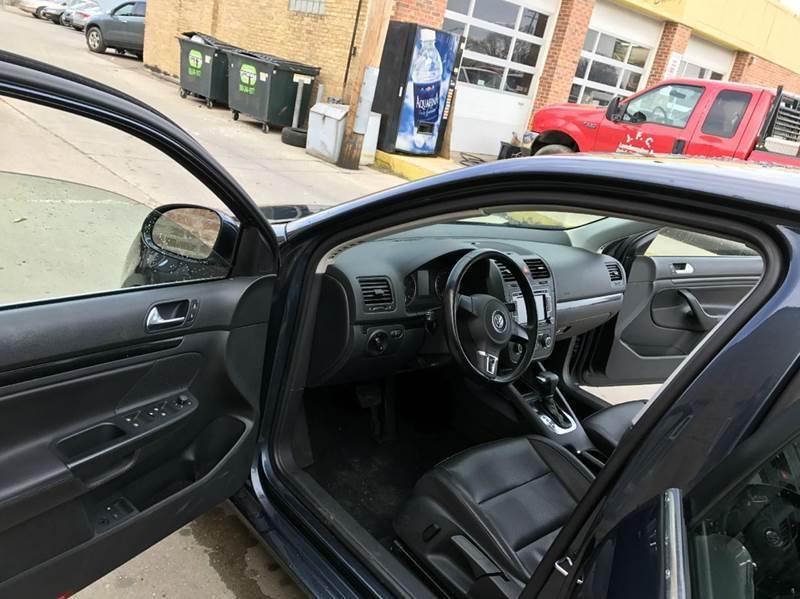 2010 Volkswagen Jetta SE 4dr Sedan 5M - Franklin Park IL