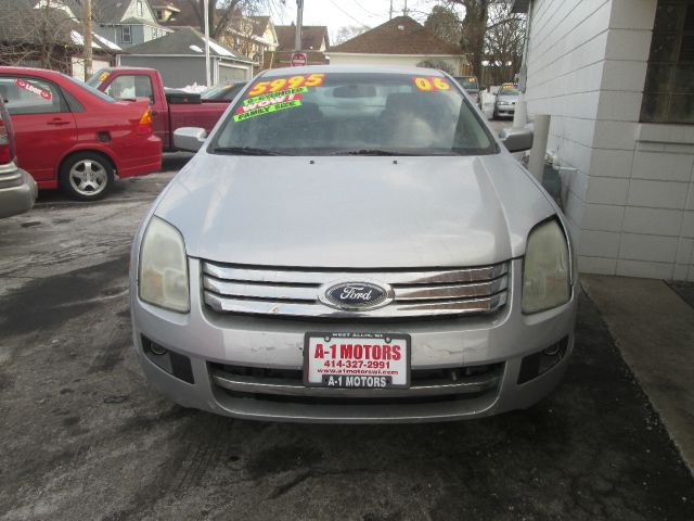 2006 FORD FUSION V6 SE 4DR SEDAN silver this vehicle located at 7623 w greenfi