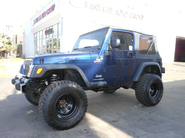 2005 JEEP WRANGLER SPORT blue you wont find any electrical problems with this vehicle  no defects