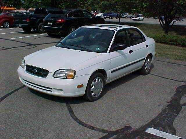 2000 Suzuki Esteem GLX 4dr Sedan - Pittsburgh PA