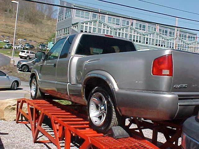 2003 Chevrolet S-10 3dr Extended Cab LS Rwd SB - Pittsburgh PA