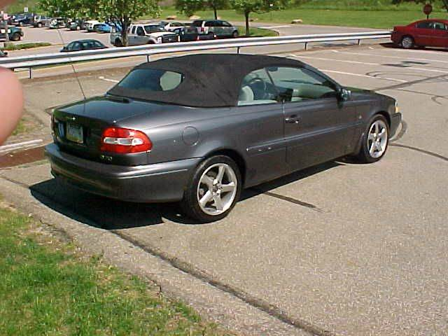 2004 Volvo C70 2dr LPT Turbo Convertible - Pittsburgh PA