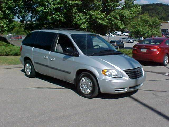2007 Chrysler Town and Country 4dr Mini-Van - Pittsburgh PA
