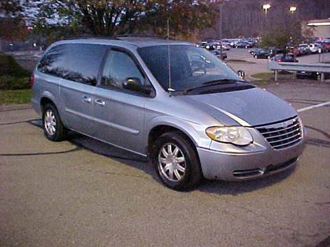 2005 Chrysler Town and Country for sale in Pittsburgh, PA
